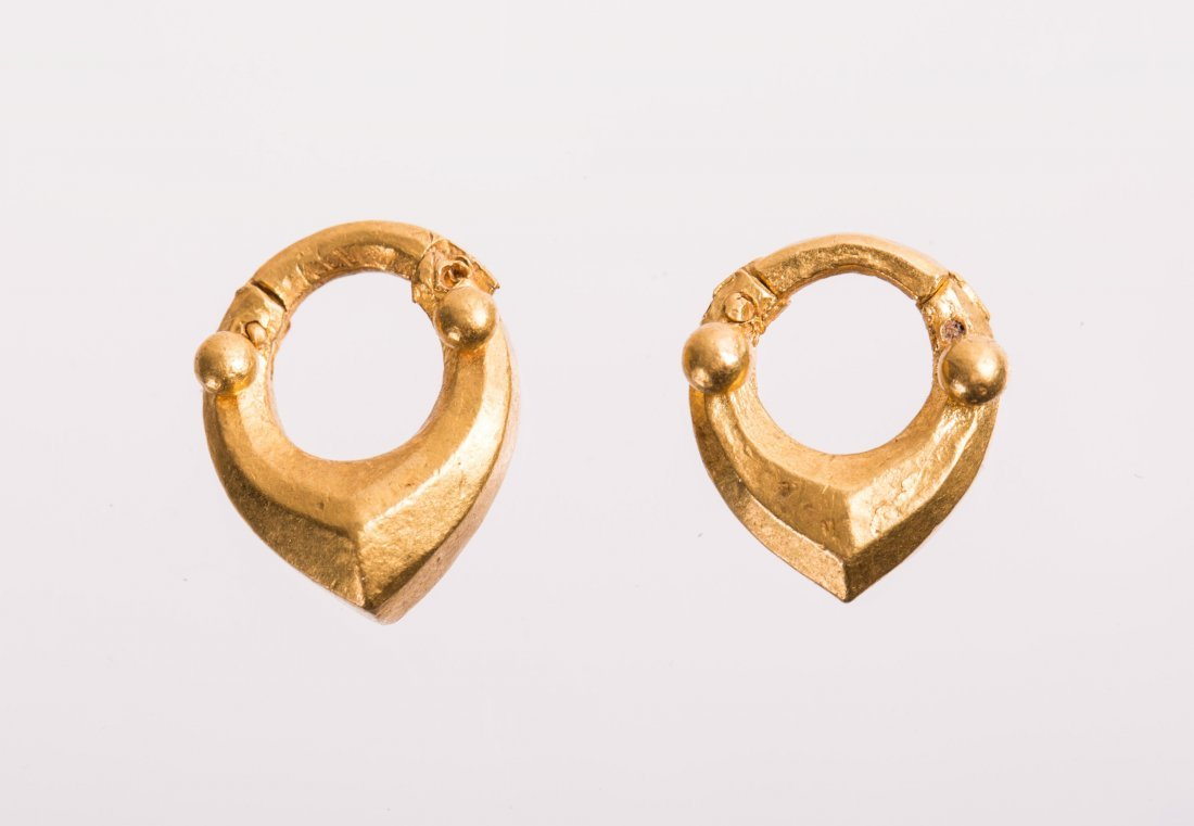 PAIR OF ANCIENT ROMAN GOLD EARRING