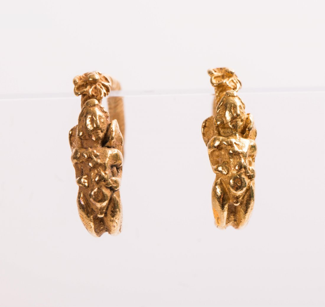 PAIR OF ANCIENT ROMAN GOLD EARRING WITH ANGEL