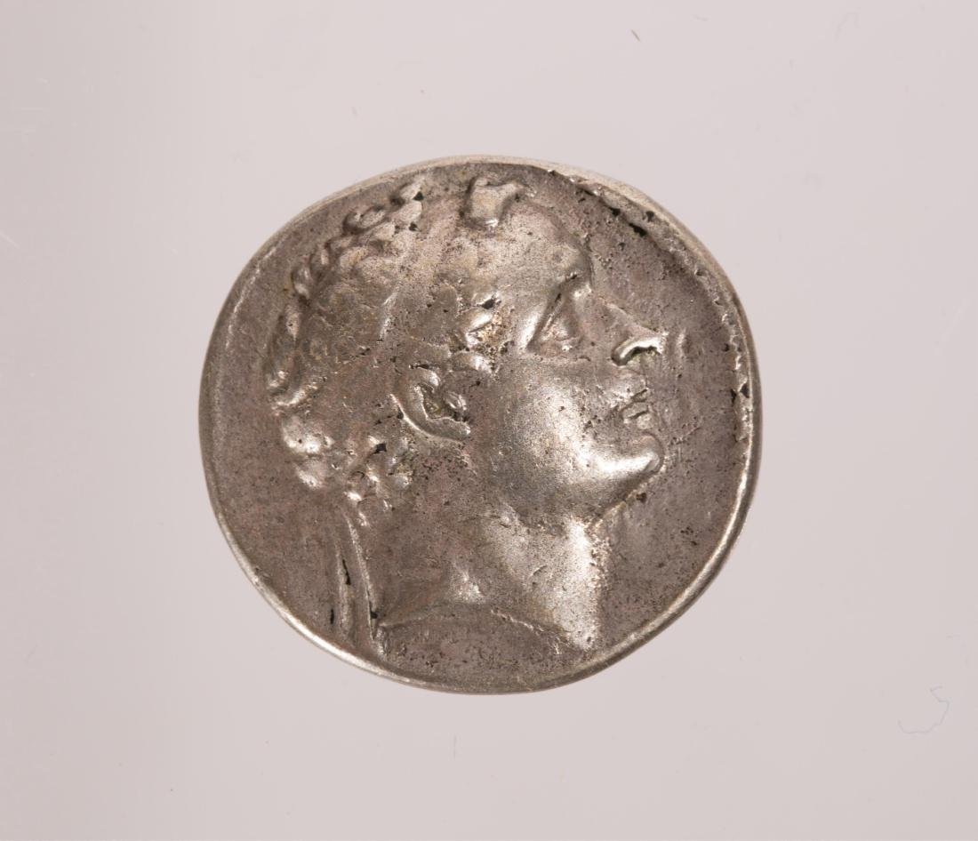ANCIENT GROUP OF 3 SILVER ROMAN COINS - 3