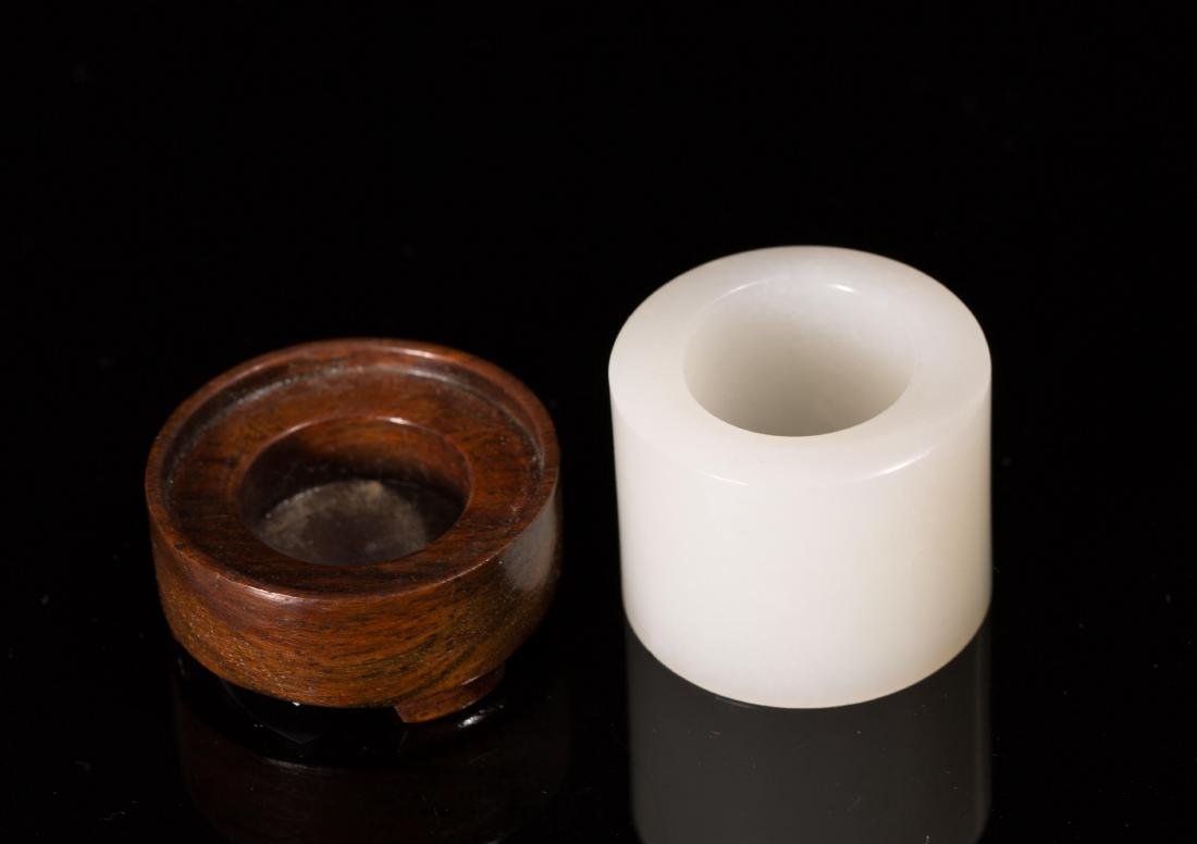 CHINESE WHITE JADE THUMB RING WITH STAND - 2