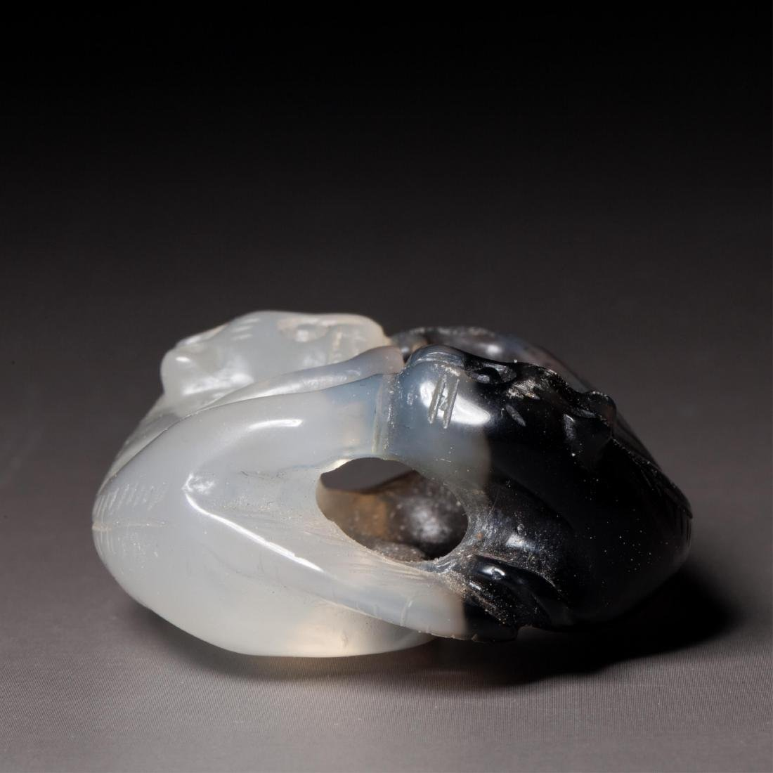 CHINESE AGATE PENDANT OF TWO CATS - 5