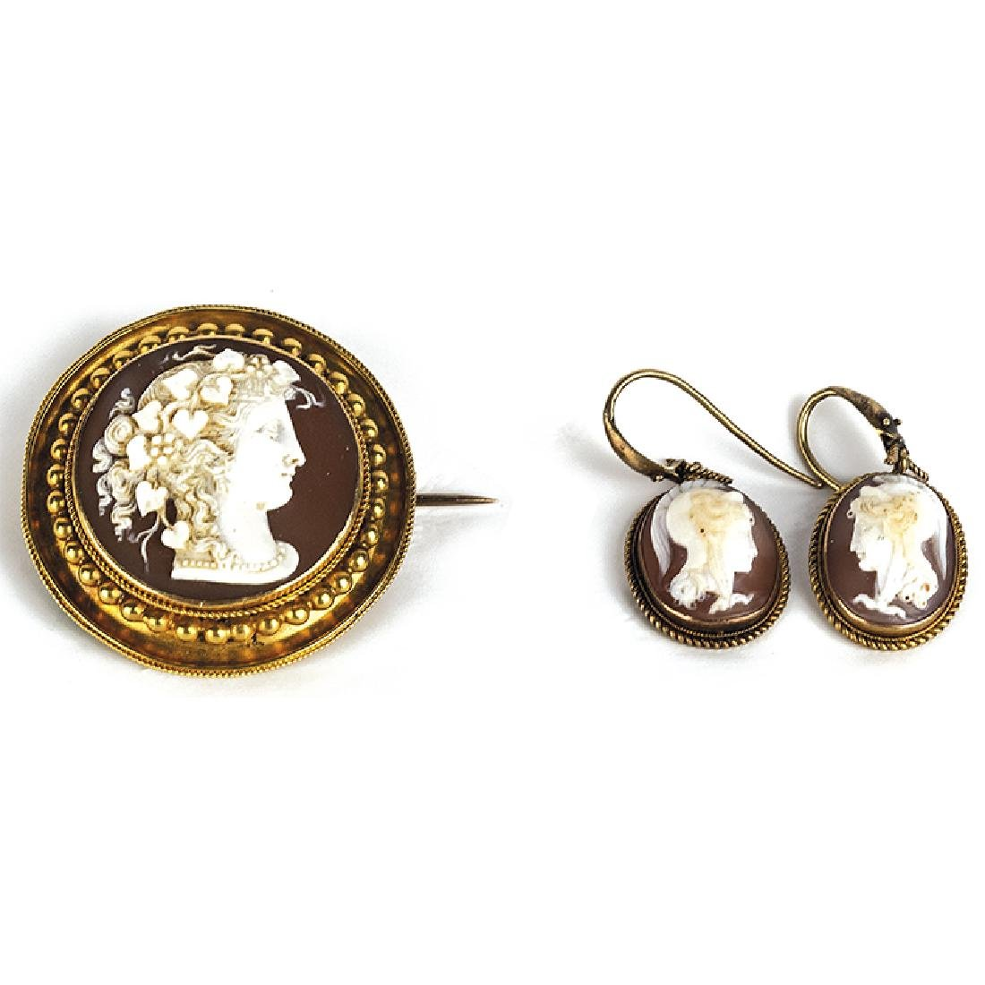 Brooch and earrings with cameos