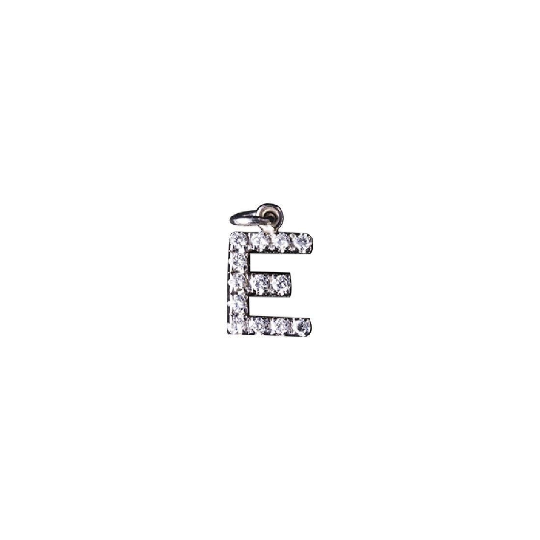 Pendant letter E