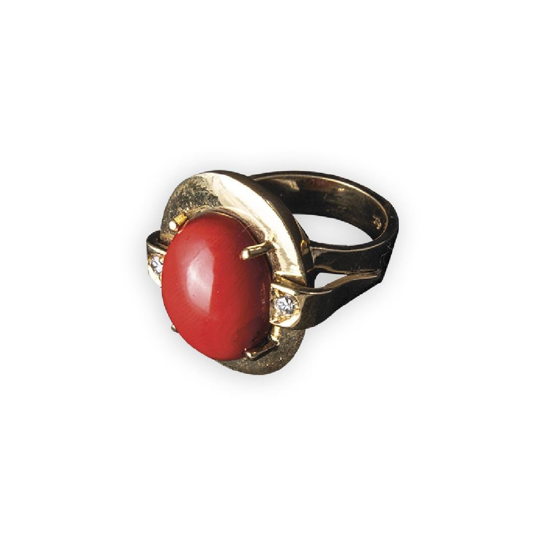 Gold ring with coral spool