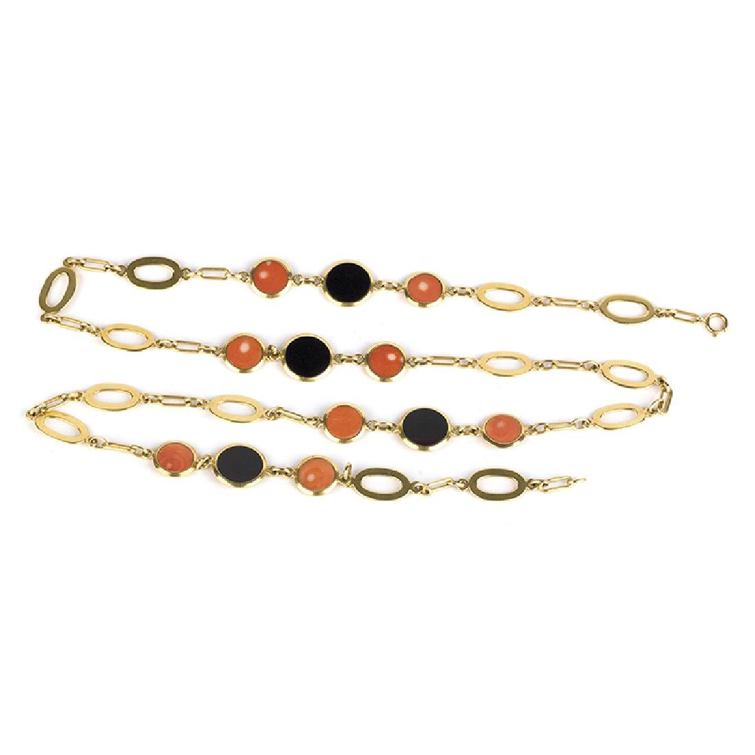 BULGARI chain with round and black tablets and coral