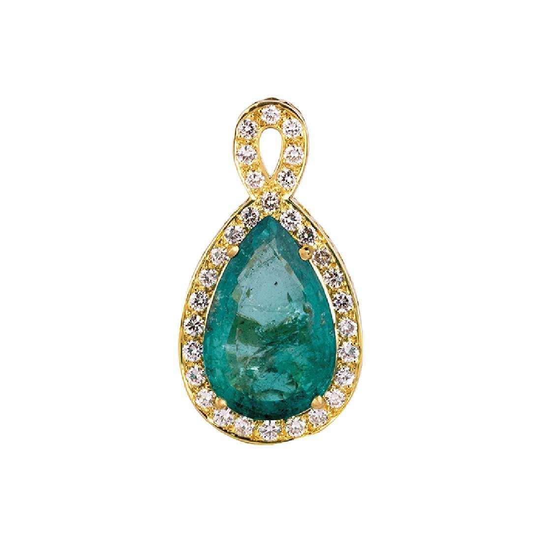Pendant with emerald drop cti 17,16  in frame of diamon