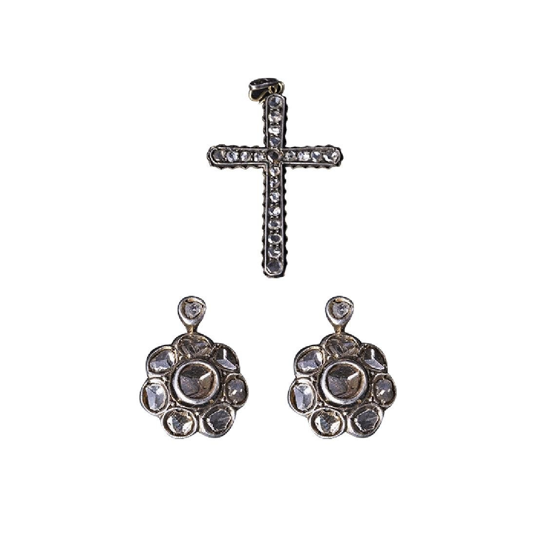 Set earrings and cross of the end of the 18th century