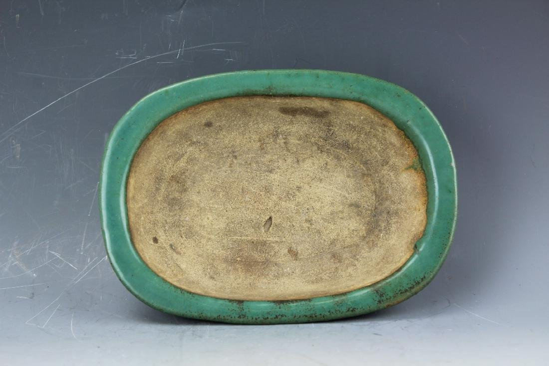 A Green underglazed Narcissus plate rounded corner from - 9