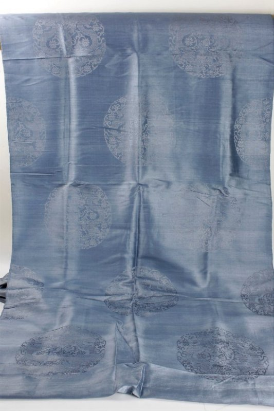 A Long Antique Chinese Silk Textiles/Fabric - 2