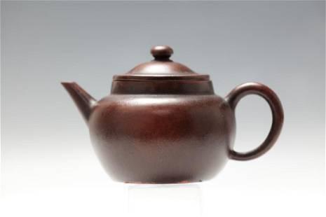 A Red Sand Clay Tea Pot with Jixizhushani Mark