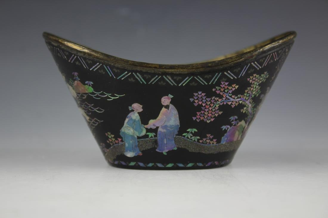 A Mother of Pearl inlay Figure and Landscape Laquer Cup