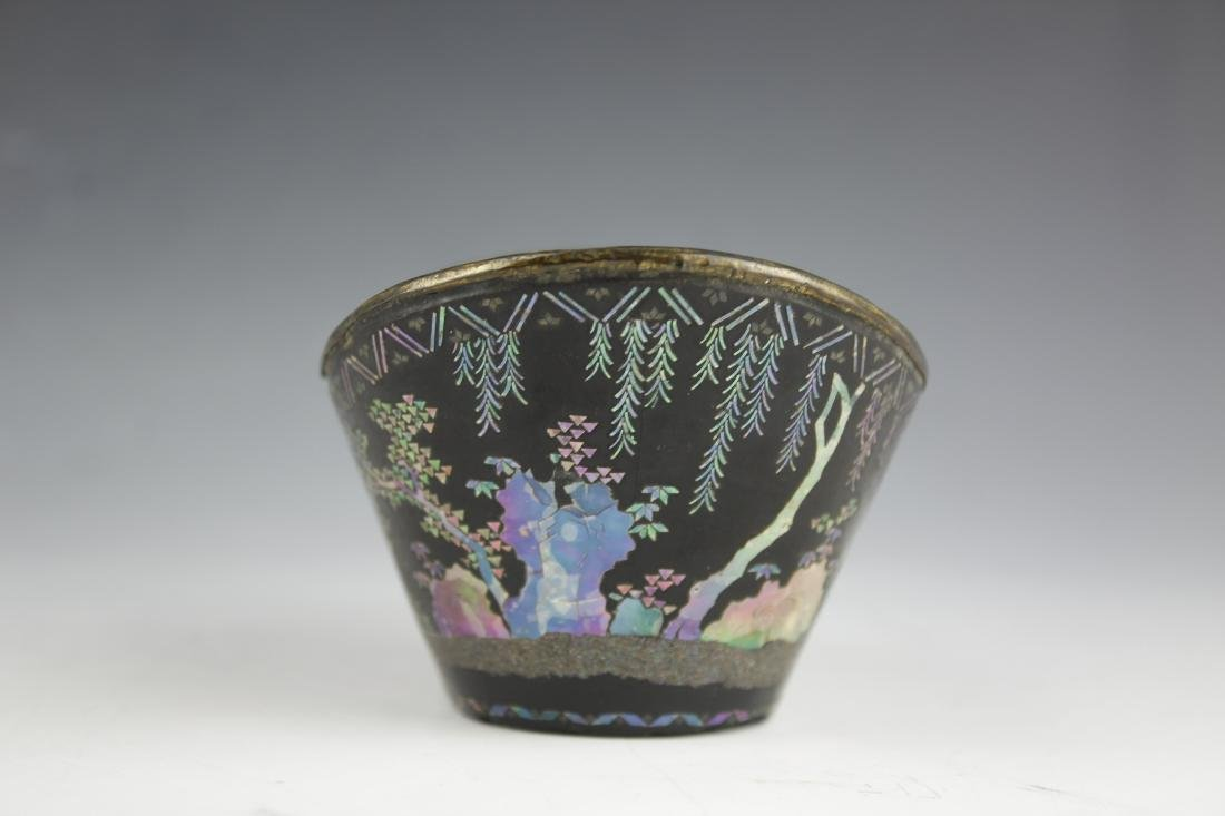 A Mother of Pearl inlay Figure and Landscape Laquer Cup - 4