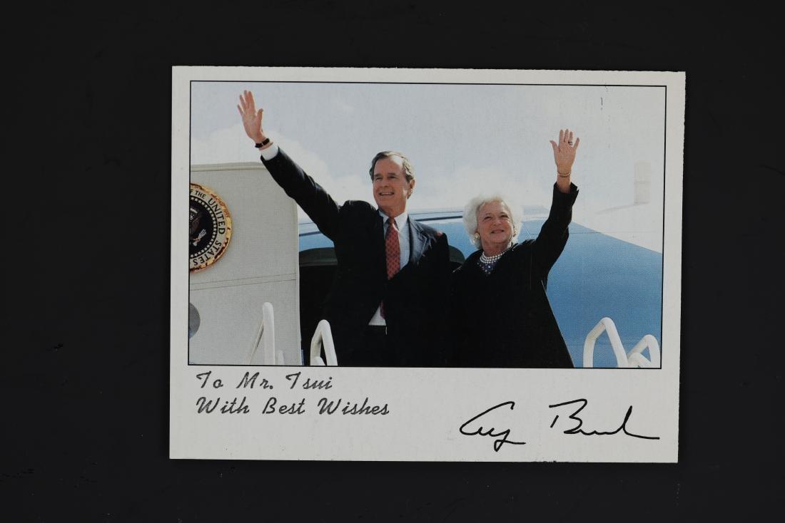 George Bush and Barbara Photo Signed by David Valdez