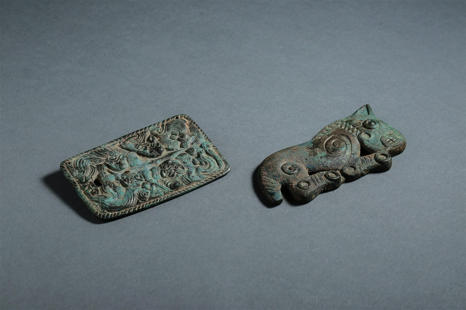 Two Bronze Mystical Beats Plaques of Western Zhou