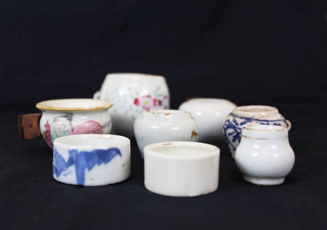 Eight Chinese 19C-Later Porcelain Small Bird Feeder