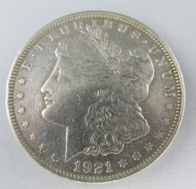 1921 P Morgan Silver Dollar Item has a nick on reverse