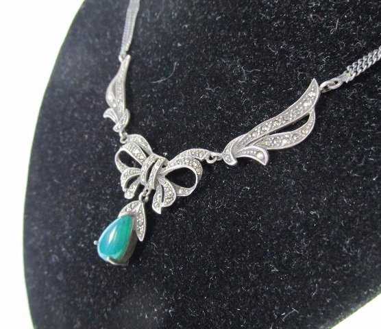 Sterling Silver Malachite necklace with Pear Shaped Jad