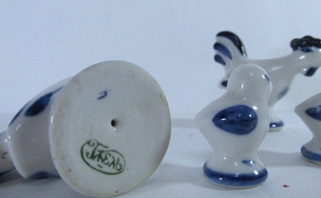 Vintage Russian Hand Painted Gzhel Porcelain Figurine - 3