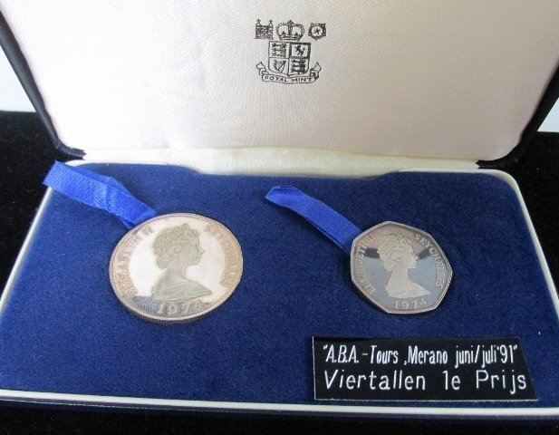 1974 Seychelles Silver Proof 5 and 10 Rupees 2 Coin set