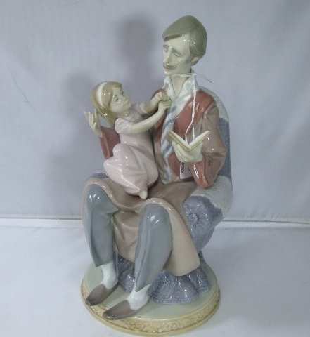 """Lladro Father and Daughter Figurine #5584 9 1/2"""" H by 4"""