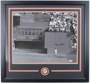 Willie Mays Signed Giants 24.5x26.5 Custom Framed Photo