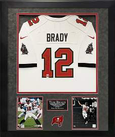 Tom Brady signed and framed Buccaneers Jersey FANATICS