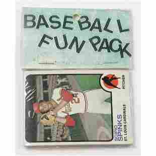 Topps Baseball Card Fun Pack with (10) Cards