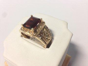 Ladies Vintage Style Diamond & Red stone 14K Ring