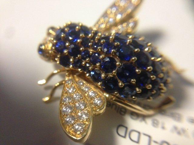 Vintage 18k, diamond & Sapphire Bumble Bee Pin - 2