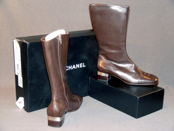 669: NEW CHANEL BOOTS: BROWN LEATHER CALF-LENGTH WITH Z