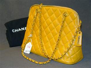 CHANEL HANDBAG: MUSTARD-YELLOW QUILTED LEATHER WIT