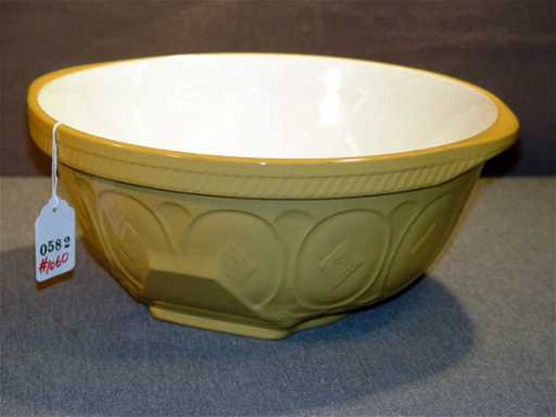 1060: THE GRIPSTAND MIXING BOWL, T. G. GREEN AND COMPAN