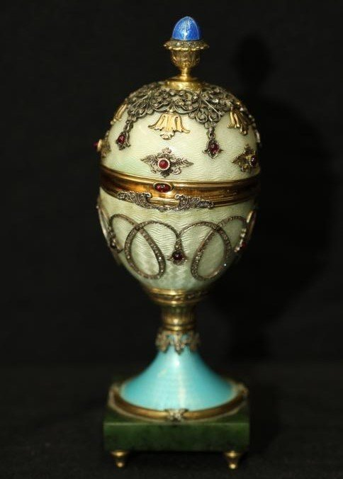 Michael Perchin Faberge egg with Easter egg finial