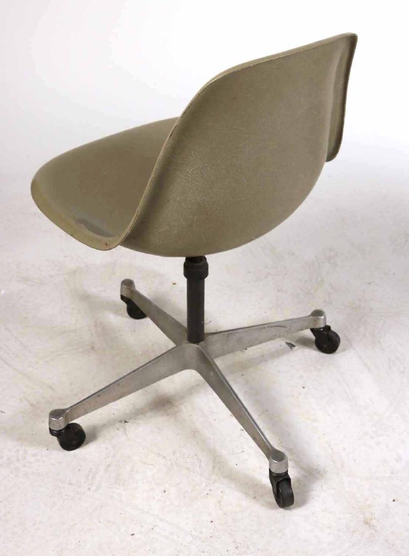 Two Herman Miller Eames Office Shell Chairs - 5
