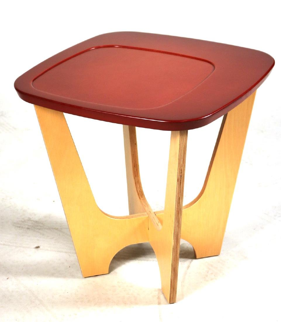 Pair of Modern Pure Design Side Tables - 2