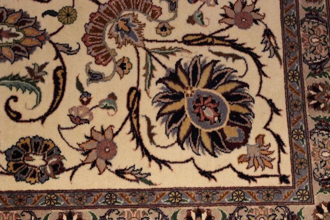 Sarouk Style Carpet - 4
