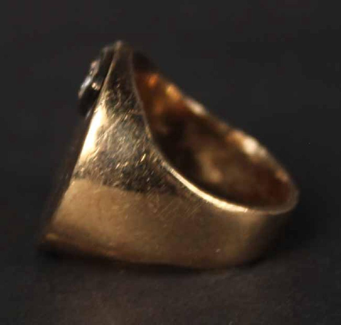 Unmarked Yellow Gold Signet Ring - 3
