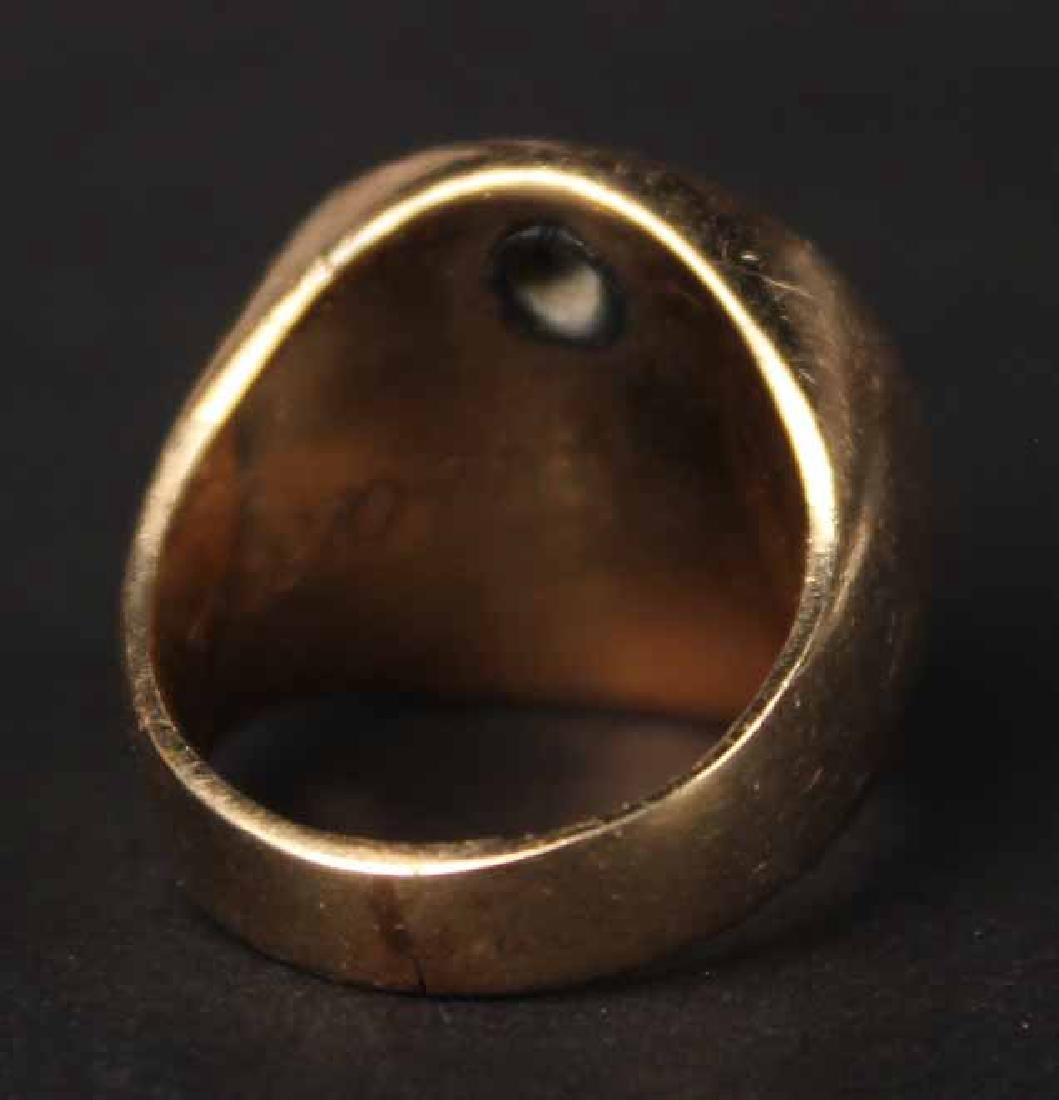 Unmarked Yellow Gold Signet Ring - 4
