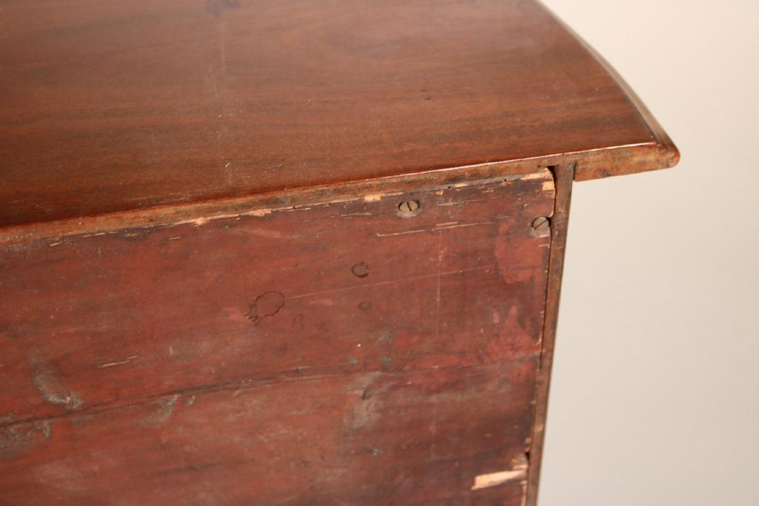 George III Mahogany Serpentine Chest of Drawers - 10