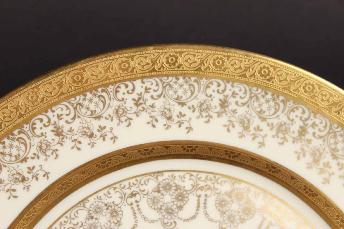 Twelve Heinrich Selb Porcelain Dinner Plates - 3