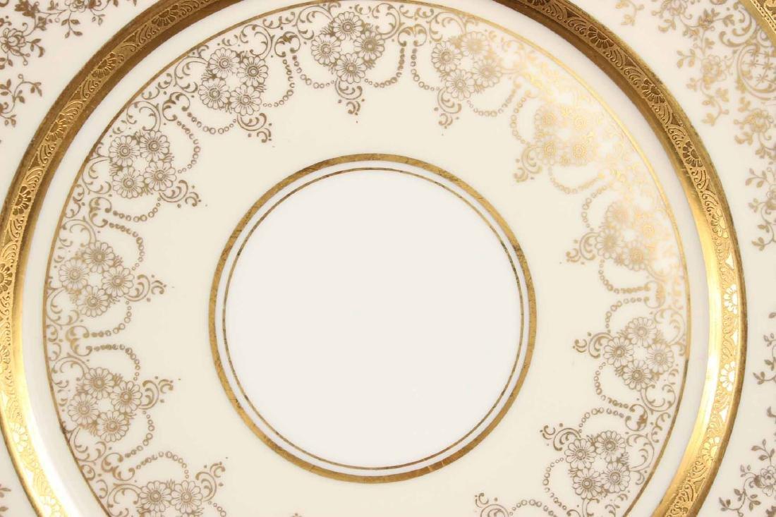 Twelve Heinrich Selb Porcelain Dinner Plates - 4