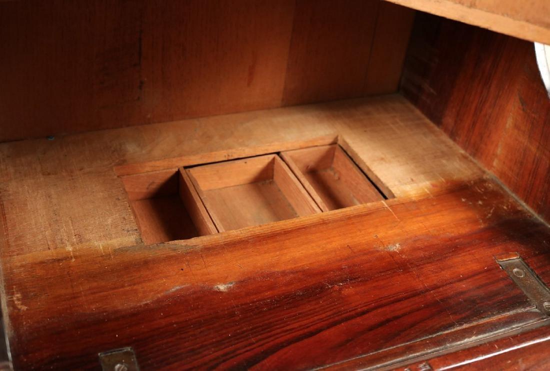 Queen Anne Child's Slant Front Desk - 10