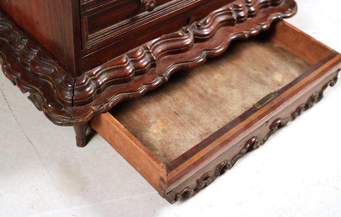 Queen Anne Child's Slant Front Desk - 5