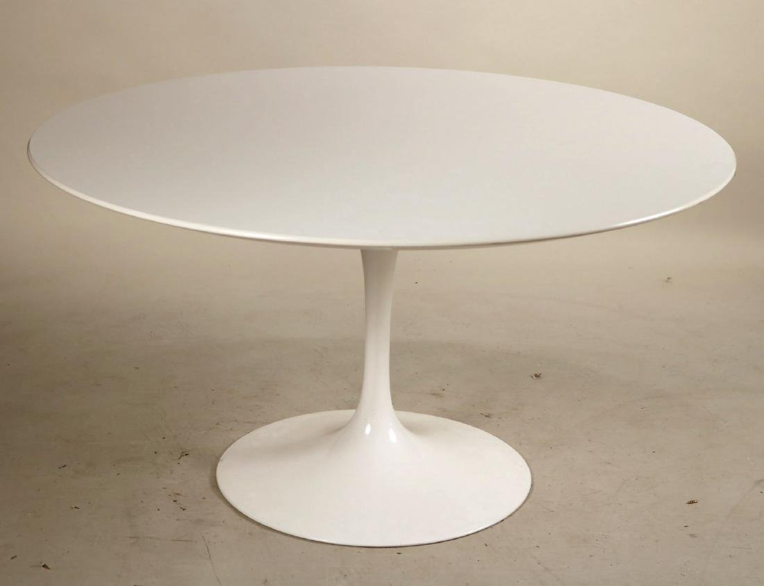 Knoll Eero Saarinen Tulip Table