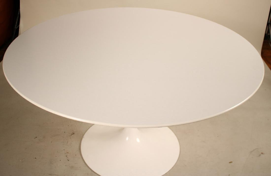 Knoll Eero Saarinen Tulip Table - 2
