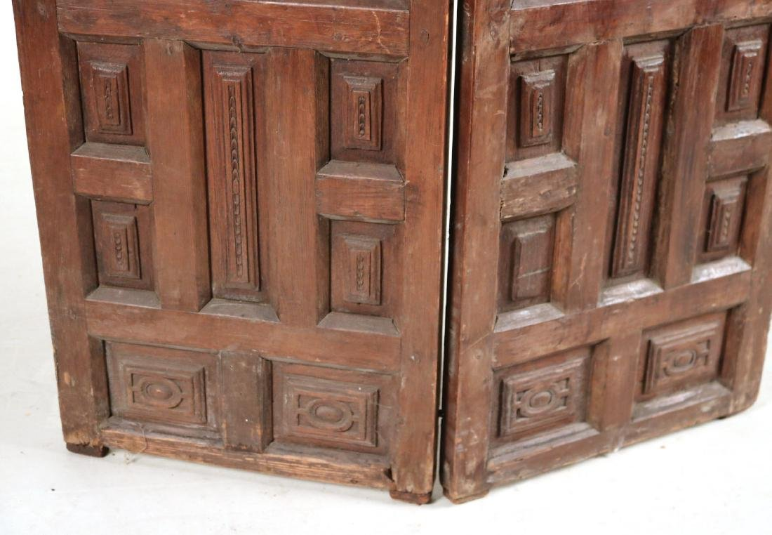 Elizabethan Style Carved Pine Two Panel Screen - 3