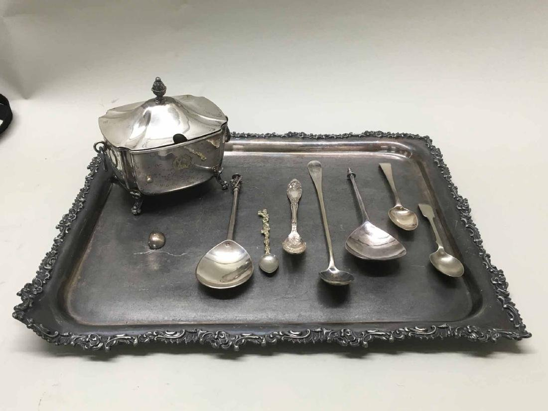 GROUP OF ASSORTED SILVERPLATED TABLE ARTICLES