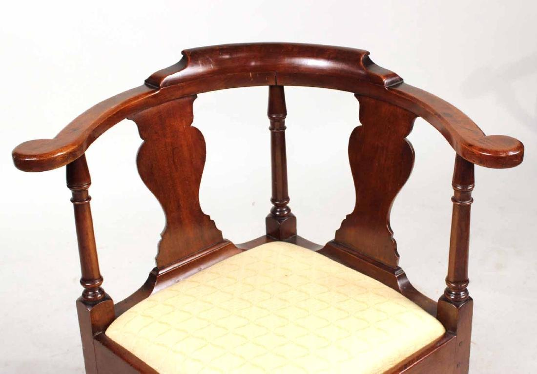 Queen Anne Mahogany Corner Commode Chair - 2