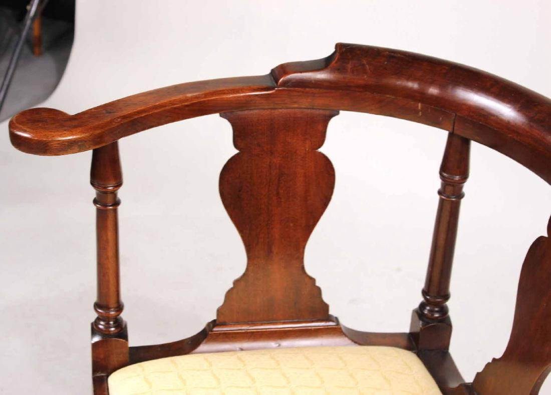 Queen Anne Mahogany Corner Commode Chair - 4