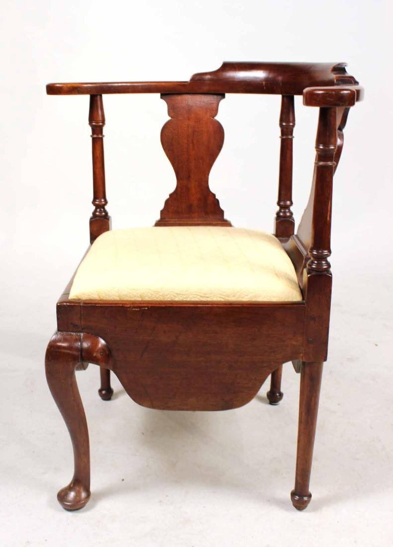 Queen Anne Mahogany Corner Commode Chair - 8